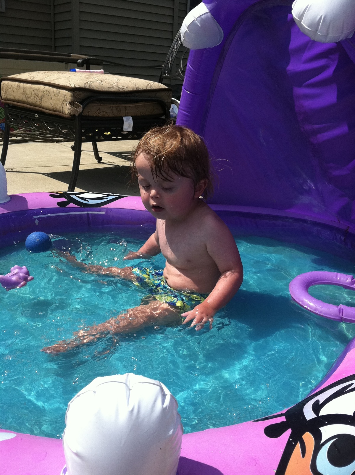 Logie in the Pool!
